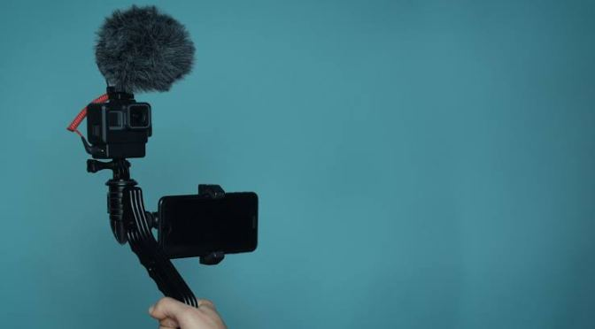 FROM BLOGGING TO VLOGGING